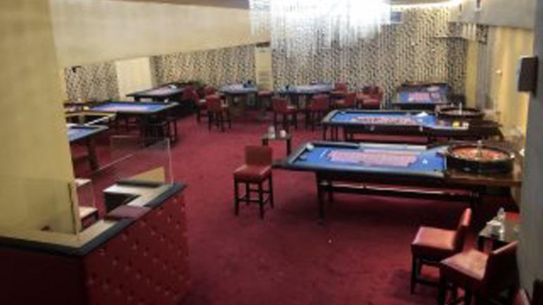 Έστησαν κορωνο-καζίνο εν μέσω πανδημίας – 67 άτομα παραβίασαν το Lockdown για να παίξουν παράνομο τζόγο